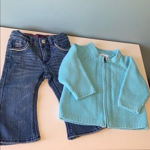 Girls bundle. Levi's and sweater